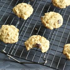 Banana and Dark Chocolate Chip Oatmeal Cookies