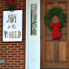 How to Decorate a Christmas Porch