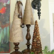 How To Make Burlap and Twine Tabletop Christmas Trees