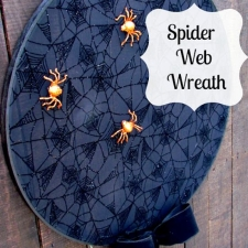How to Make a Spider Web { A Simple Halloween Wreath }