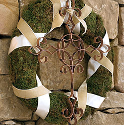 willow-house-cross-wreath