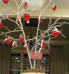 gingham table runner love tree 096