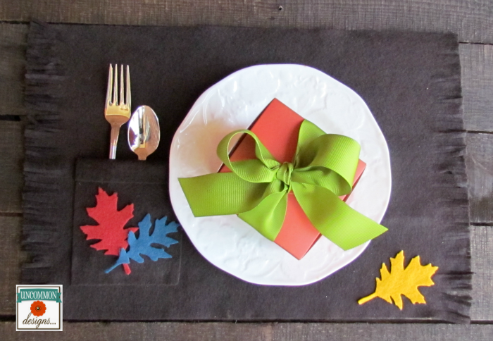 DIY no sew Kid's Table Felt Thanksgiving Placemats. A fun accent for the kids at Thanksgiving