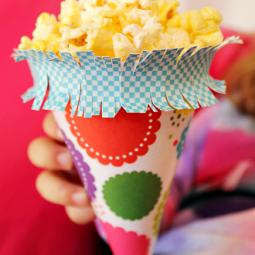 DIY-popcorn-treat-cone