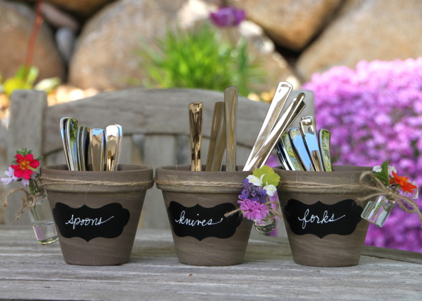 HGTVGardens-terra-cotta-pots-labels