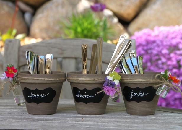 HGTVGardens-terra-cotta-pots-labels