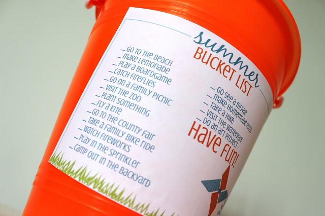 A super fun Free Printable Summer Bucket List idea and activity! #freeprintable #summer #bucketlist www.uncommondesignsonline.com