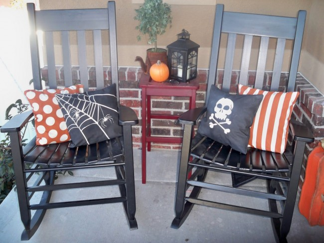 Spray Painted Halloween Pillows