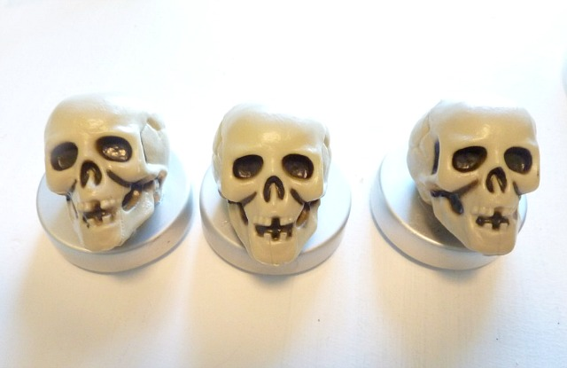 DIY_faux_potion_bottles-Skull_lids