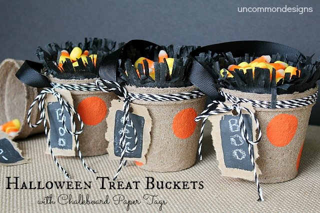 Halloween Treat Buckets with Chalkboard Paper Tags  #halloween #diyprojects #chalkboardpaint