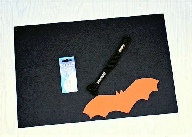 Simple Felt Bat Garland Supplies