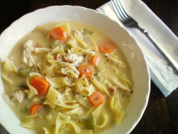 slow_cooker_creamy_chicken_soup_craftomaniac