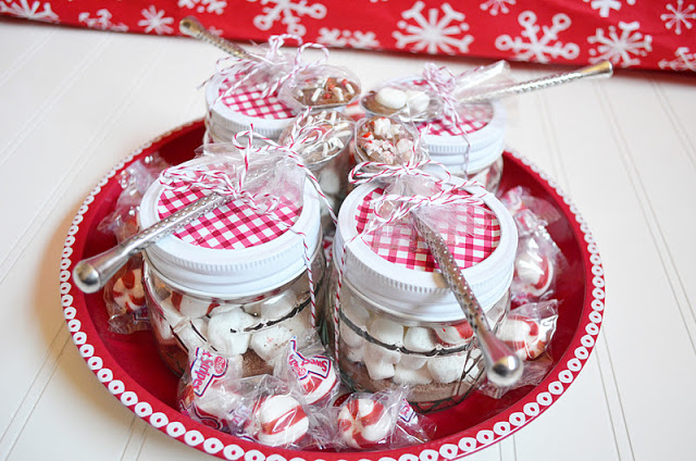 mini mason jar hot chocolate gifts