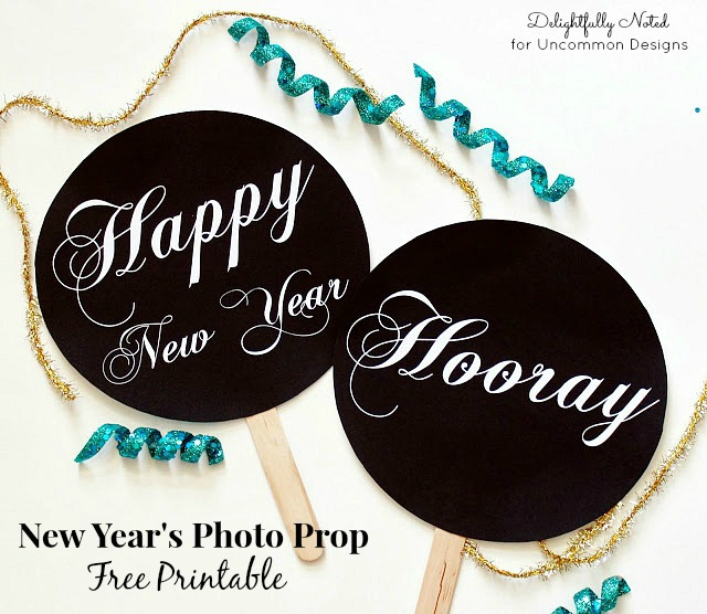 New Year's Eve Free Printable Photo Props perfect for your party! #NewYears #freeprintable