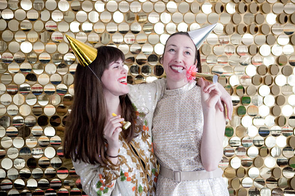 New-years-diy-sequin-photo-booth-ohhappyday