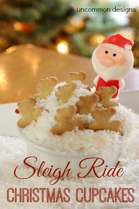 Sleigh Ride Christmas Cupcakes. Add a few graham cracker reindeer and a santa... you have the easiest Christmas cupcakes ever! Perfect for classroom parties and holiday gatherings! Via www.uncommondesignsonline.com