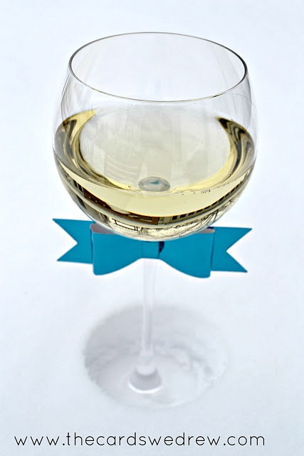 new-years-wine-glass-bow