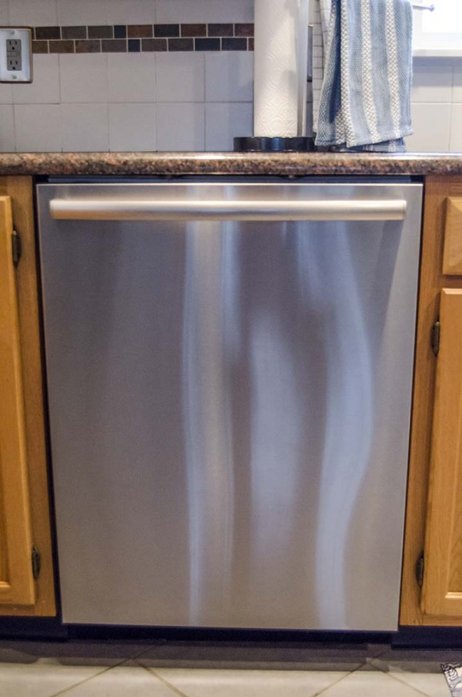 How to Clean Stainless Steel Appliances with Baby Oil - Uncommon Designs
