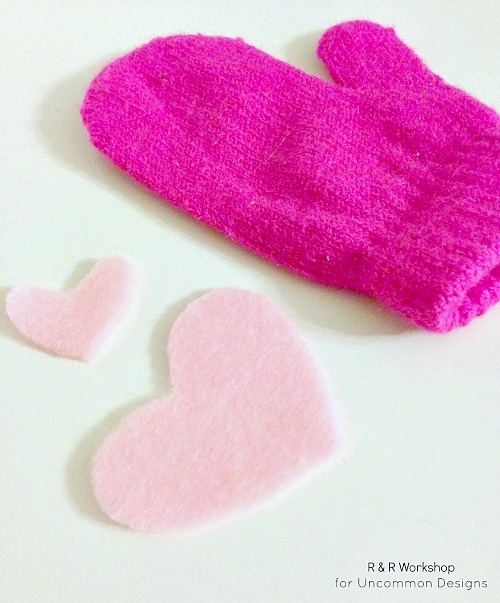 diy-no-sew-appliqued-mittens
