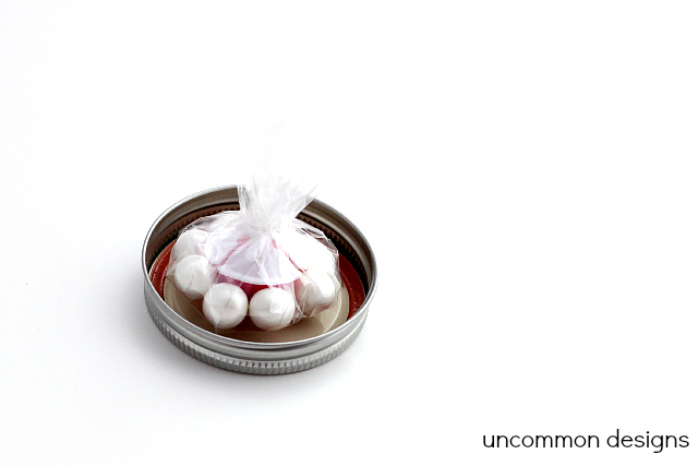 Gumball Flowers An Adorable #Valentines Treat!  www.uncommondesignsonline.com  #valentinestreat #kidscrafts