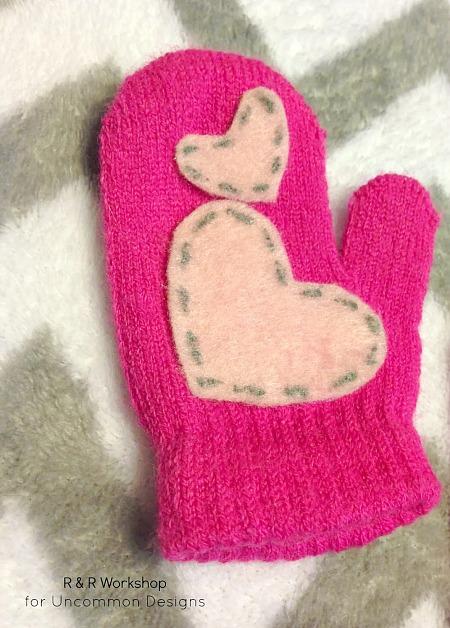 heart-appliqued-mittens-no-sew