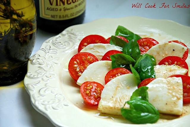 Classic-Caprese-Salad-willcookforsmiles