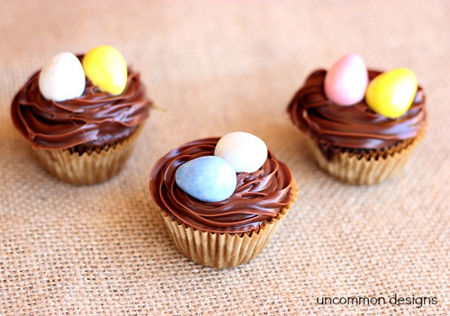 Quick and Easy Easter Cupcakes via www.uncommondesignsonline.com #Easter #Baking #Cupcakes