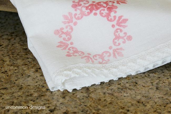 DIY Ombre' Floral Tea Towel using DecoArt Ink Effects #decoart #inkeffects #ombre #teatowel www.uncommondesignsonline.com