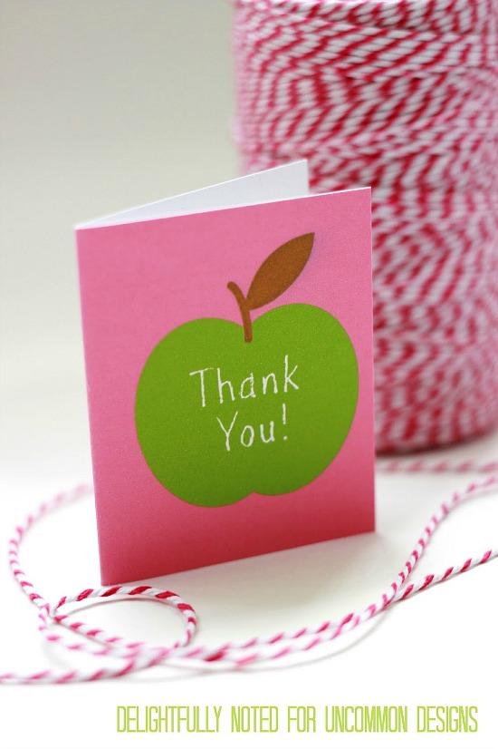 Free Teacher Appreciation Printable Gift Wrap and Mini Thank You Notes. #freeprintable #teachergift #teacherappreciation #backtoschool