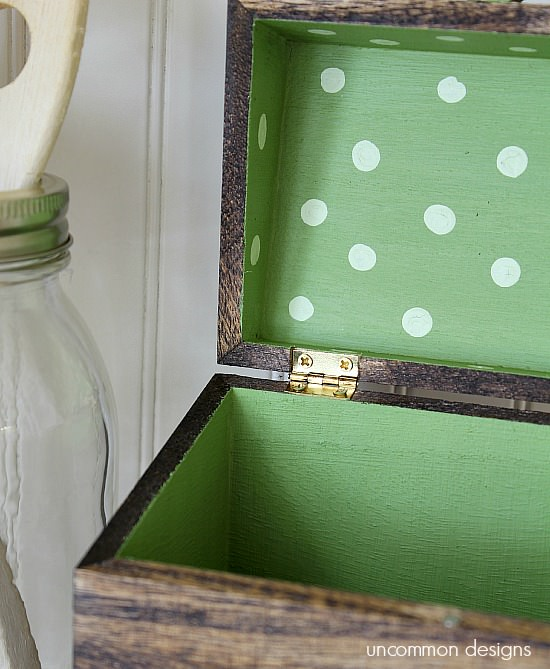 chalky-finish-inside-recipe-box