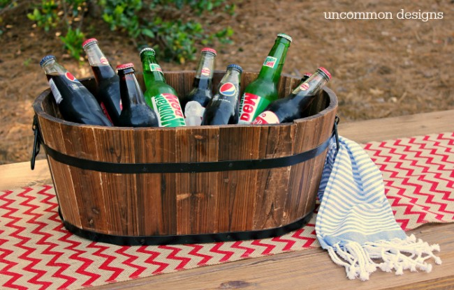 Host an amazing Fourth of July Party this year!  Decor, fun games, and more! www.uncommondesignsonline.com #julyFourth  #FourthofJuly #Patriotic