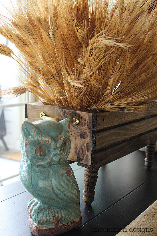 DIY Wheat Crate Centerpiece. #findingfallhometour