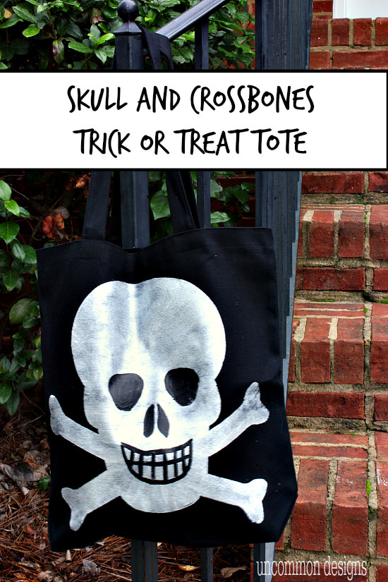 Make your own skull and crossbones tote bag for trick or treating this Halloween! ~ Uncommon Designs