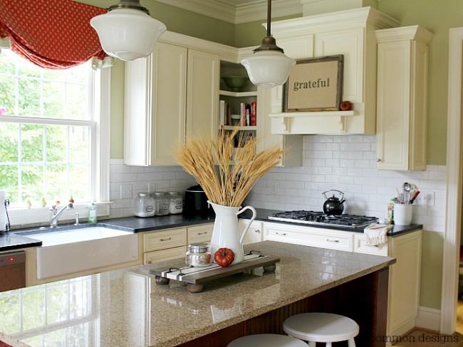 A beautiful fall home decor project...A Framed Burlap GRATEFUL sign via Uncommon Designs