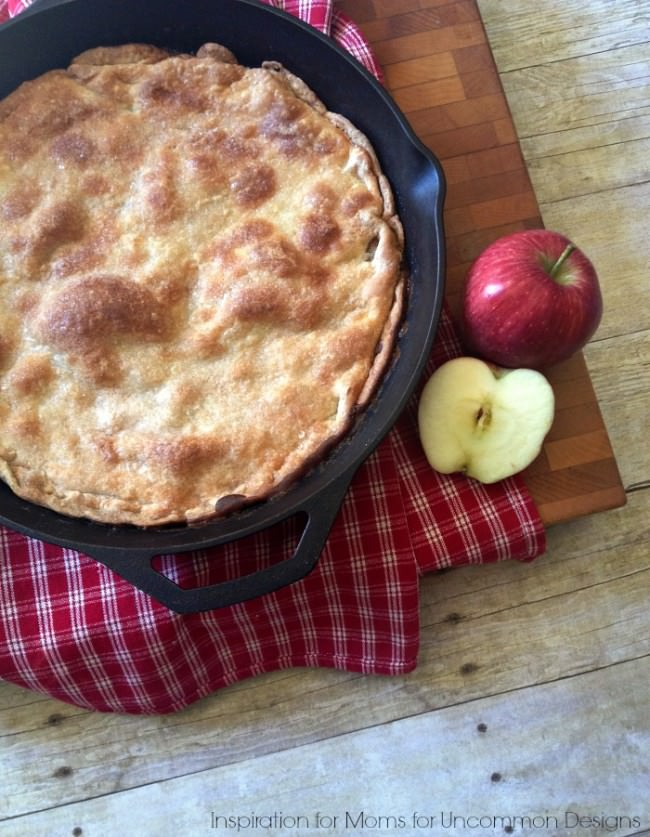 Make an Easy Skillet Apple Pie... this Fall dessert recipe is amazing!  ~ Uncommon Designs