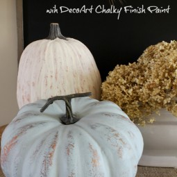 Pianted-pumpkins-decoart-chalky-finish-paint-uncommondesigns