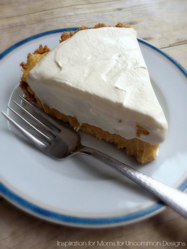 Get ready for a delicious holiday treat... No-Bake Egg Nog Pie via Uncommon Designs
