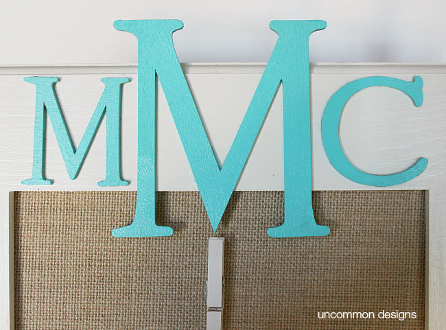 A great tween and teen craft idea! A monogrammed burlap clipboard via www.uncommondesignsonline.com . A great place for them to post photos and notes!