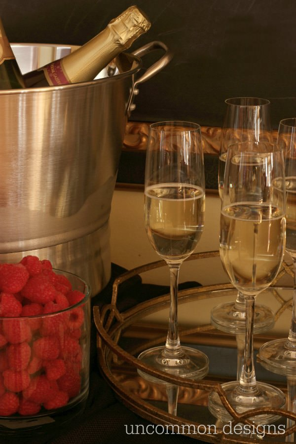 Learn how to throw a glamorous Oscars Party and set up your own Champagne bar! by Uncommon Designs