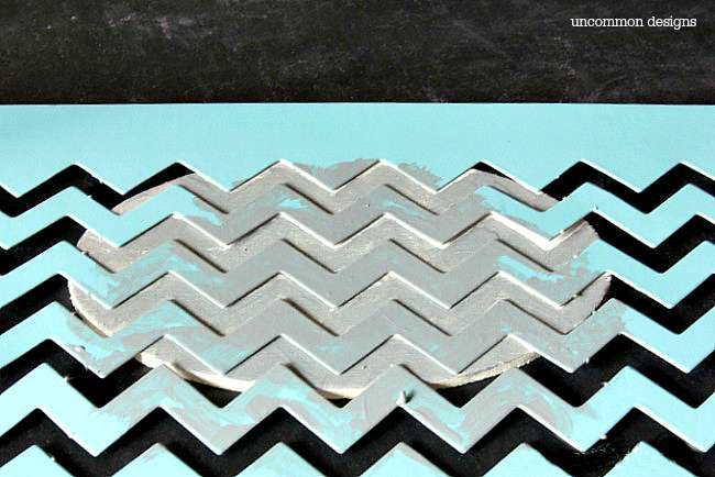 chevron-stenciled-tag