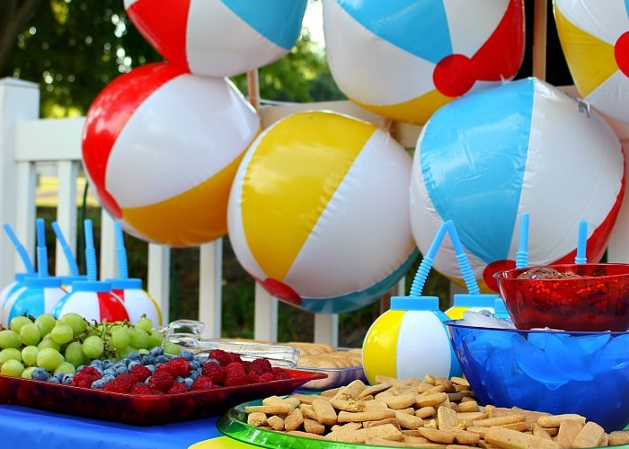 Have a Ball This Summer with this fun Beach Ball Party #DayMaid