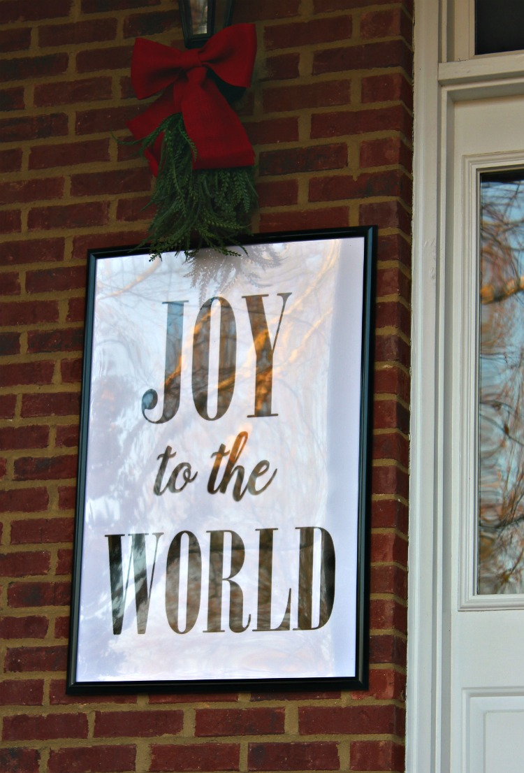 How to Decorate the Christmas Porch of Your Dreams. Tips for making your porch beautiful and cohesive. See it all on http://www.uncommondesignsonline.com/ #Christmas #FrontPorch #ChristmasPorch