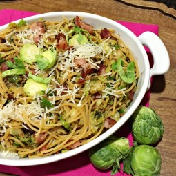 One Pot Spaghetti with Brussels Sprouts Recipe... perfect for busy families and great for weeknight meals and for busy families. See the full recipe at http://uncommondesignsonline.com/ #BrusselsSprouts #WeeknightMeals #EasyDinners