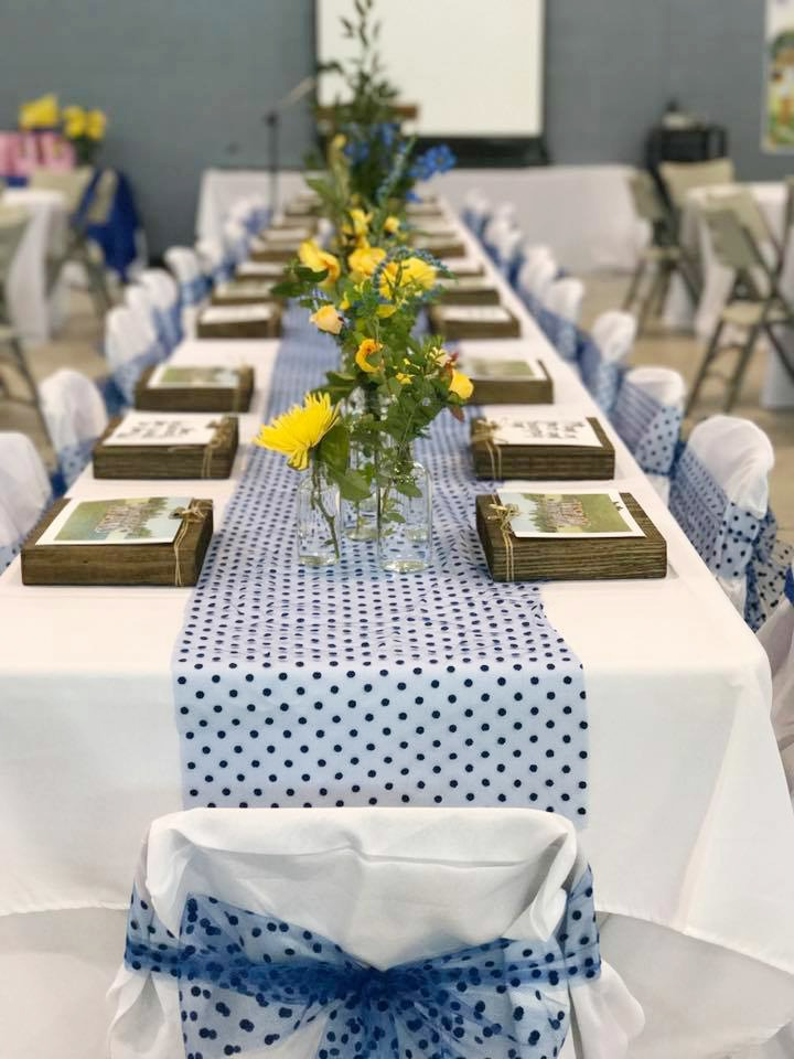 How to have chic sports banquet decorations that don't break the bank. It can be done!