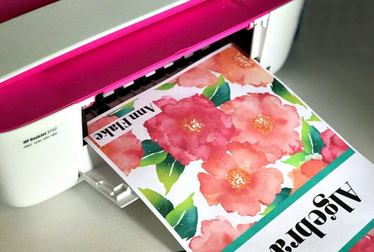 Get totally organized for Back to School with these 12 Preppy and Pretty Free Printable Binder Covers!