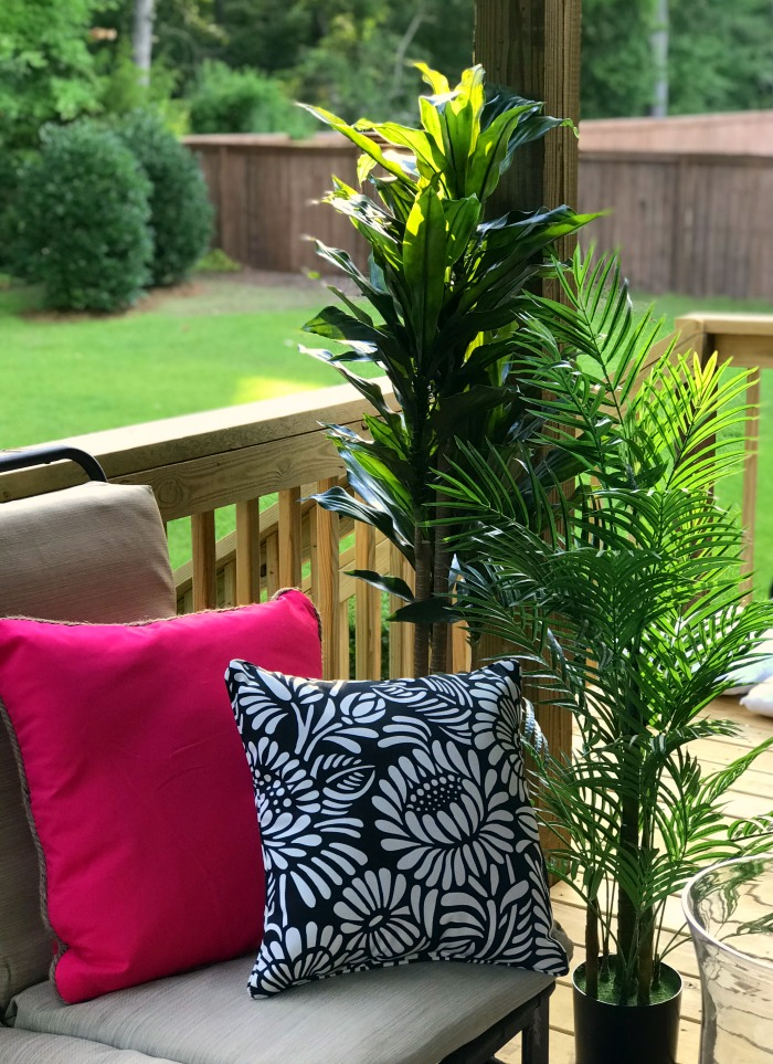 A Nearly Natural Vibrant Summer Porch