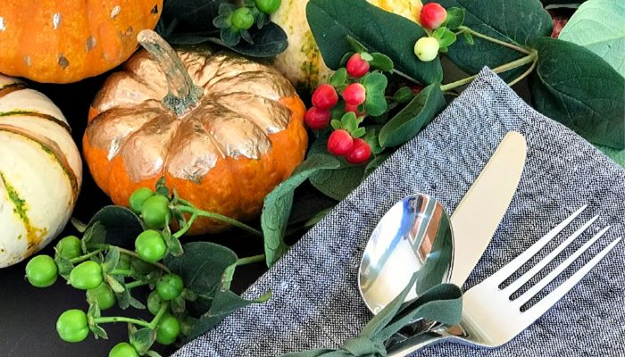 Preparing for Thanksgiving with simple tips for decor, treats and giving back! #ad