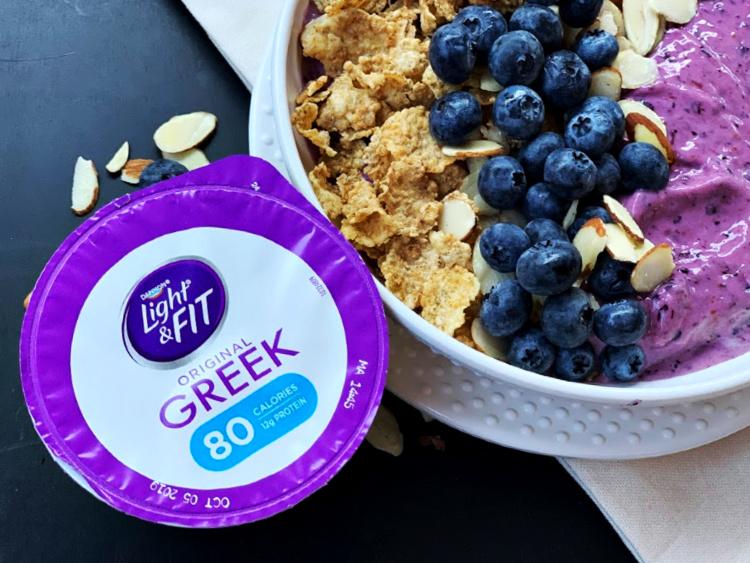 Blueberry Vanilla Almond Smoothie Bowl