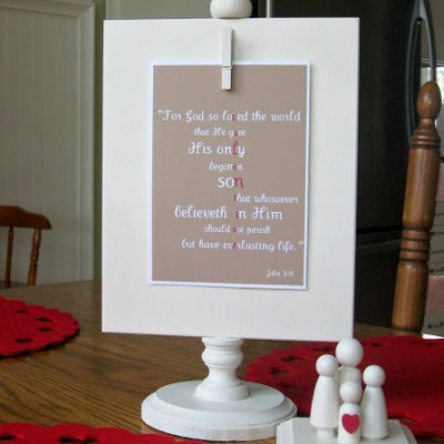 Free Valentine Printable and Peg Doll Family