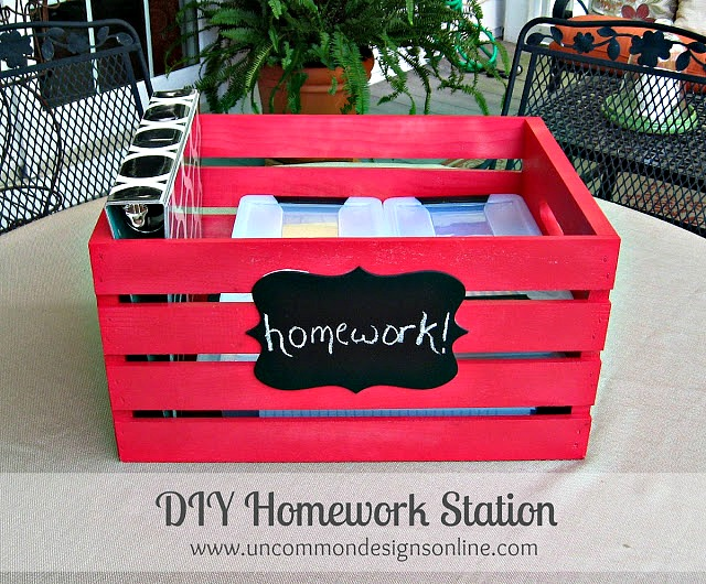 Create a portable homework station. Keep everyhting neat and organized even when  on the go! #organizing #homework #kidscrafts #diycrate
